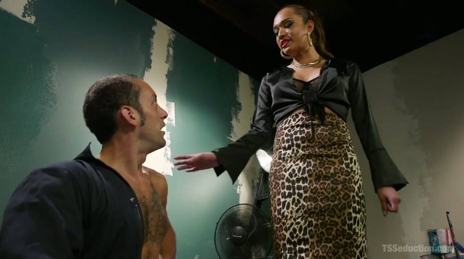 Bisexual dude is fucked hard by hot blooded T-girlfriend Jessica Fox - 2. pic