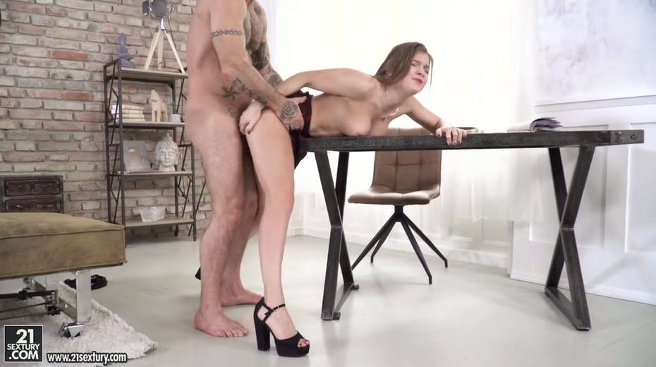 Beautiful student Renata Fox gets her anus licked and fucked for the first time - 11. pic