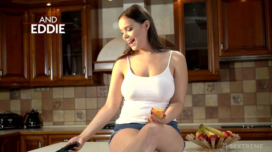 Young kept woman Sofia Lee knows how to make her sugar daddy fully satisfied - 2. pic
