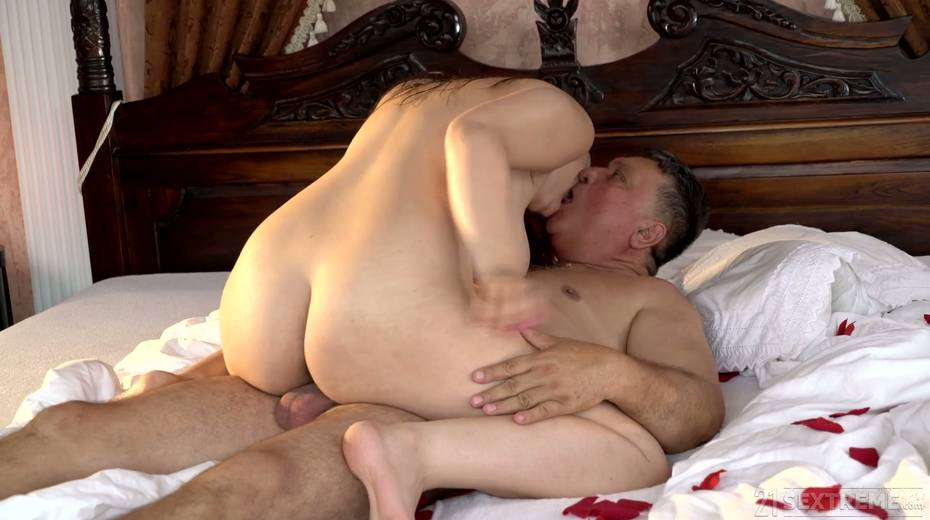 Young kept woman Sofia Lee knows how to make her sugar daddy fully satisfied - 22. pic