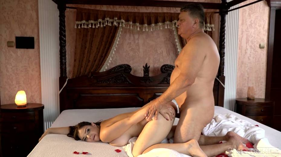 Young kept woman Sofia Lee knows how to make her sugar daddy fully satisfied - 27. pic