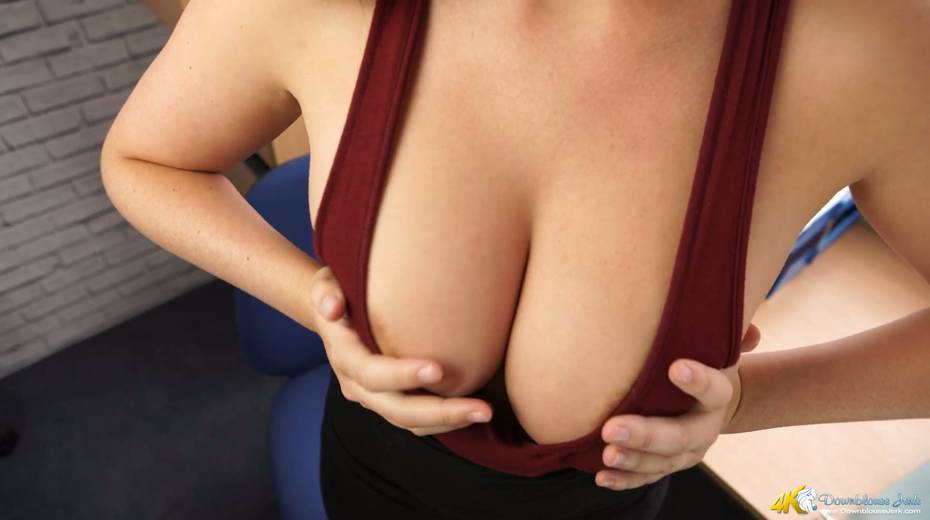 Seductive hottie Charlie Rose shows off her perfectly shaped boobies - 18. pic