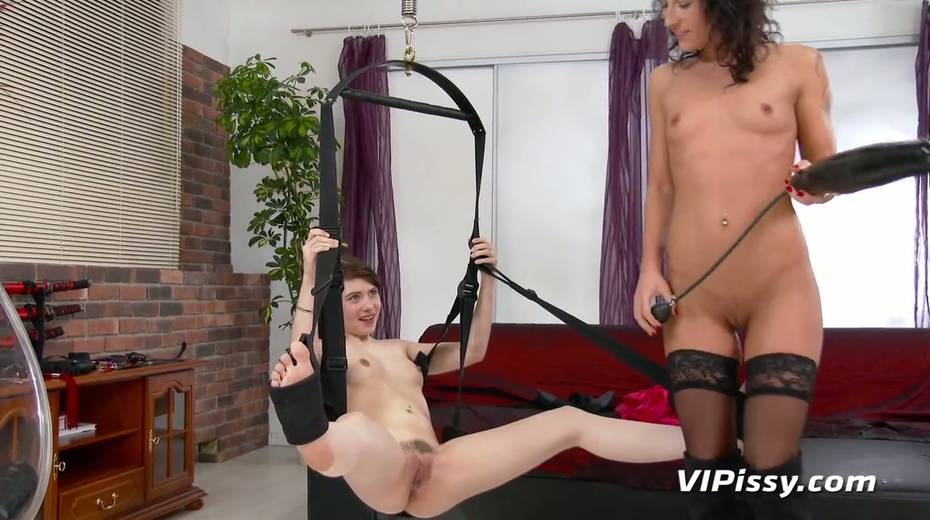 Jaw dropping hottie Vanessa Twain and her nasty GF are pissing after lesbian sex - 10. pic