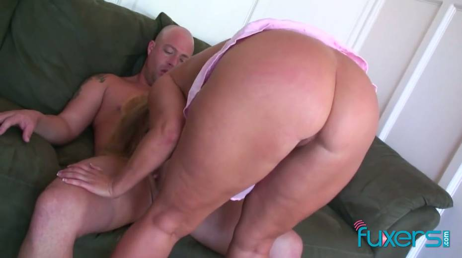 Curvy blond hooker licks sperm off hard cock after a steamy pussy pounding - 20. pic