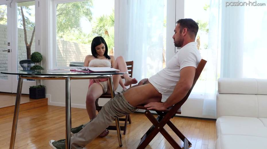 Lustful student Savannah Sixx seduces her handsome teacher Johnny Castle - 7. pic