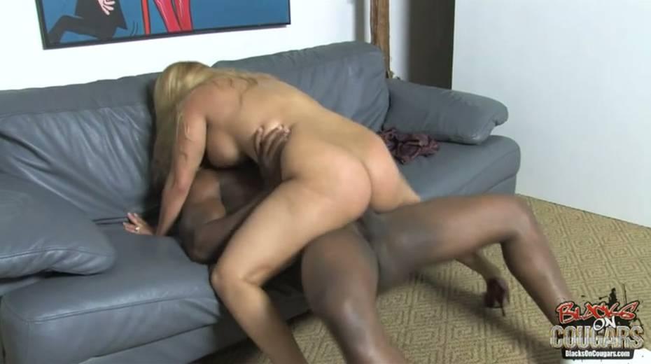 Heavy tittied bitch rides big black dude and masturbates cunt - 3. pic