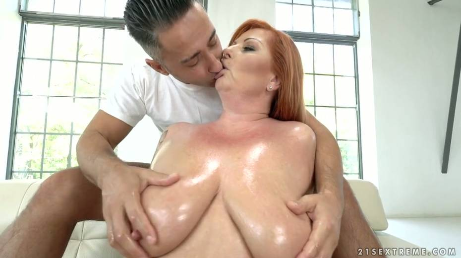 Red haired cougar Tammy Jean gets her anus fucked by young horny lover - 6. pic