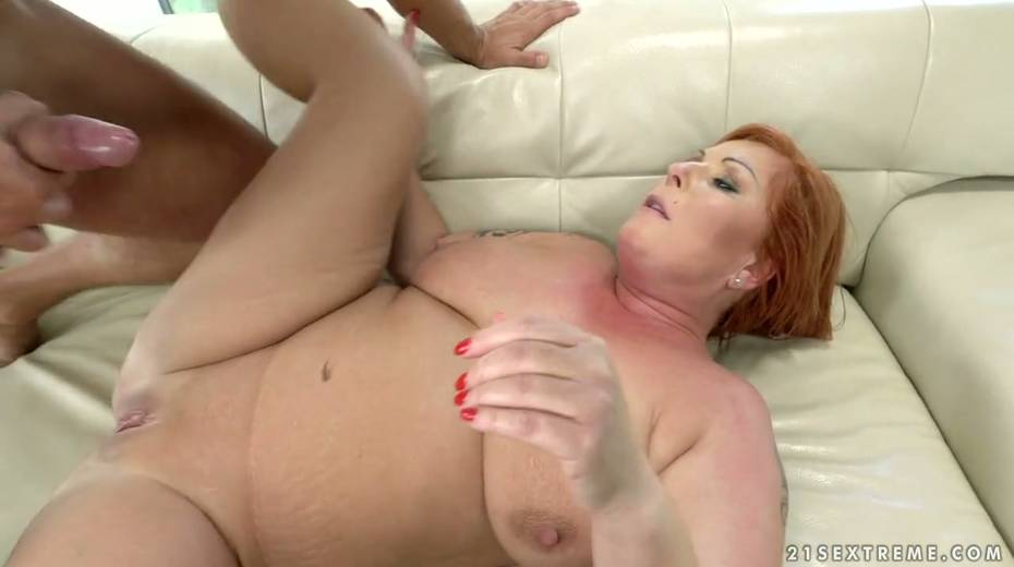 Red haired cougar Tammy Jean gets her anus fucked by young horny lover - 27. pic