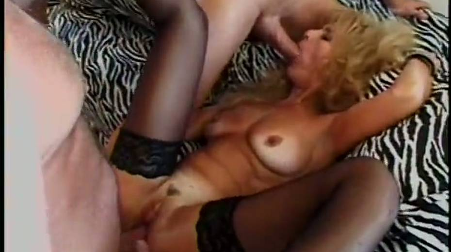 Provocative mature slut double penetrated in hardcore gangbang video - 15. pic