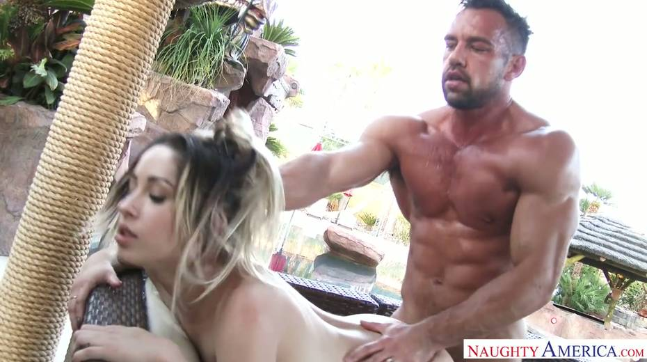 Stunning bitch Goldie Rush has wild sex after swimming in the pool - 12. pic