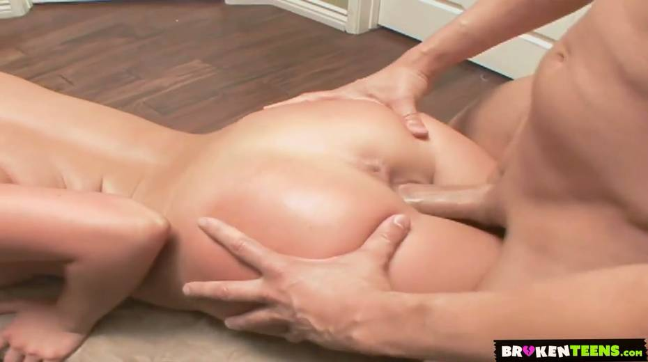 Kinky stepmom Mia Lelani seduces her naughty stepson and gets her anus rimmed - 15. pic