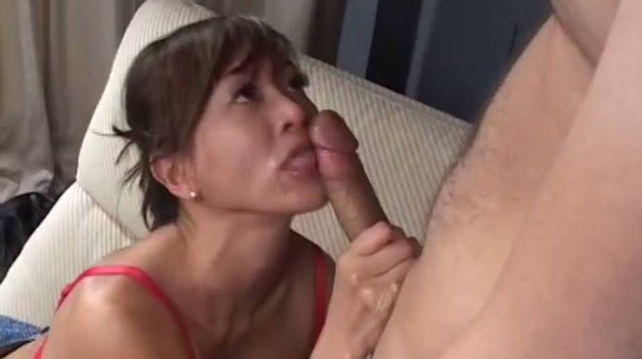 This cock crazed Asian MILF really enjoys receiving rimjobs - 8. pic