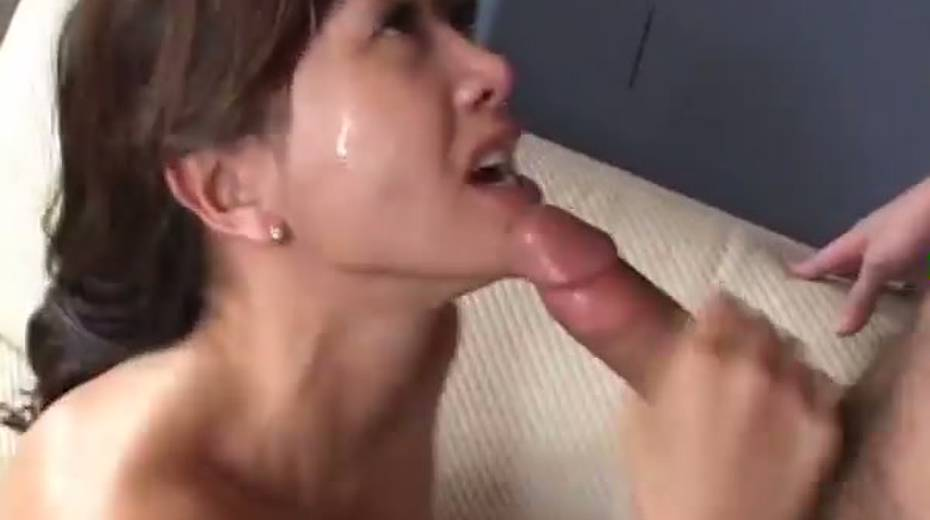 This cock crazed Asian MILF really enjoys receiving rimjobs - 12. pic